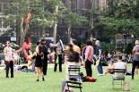 Beim Jonglieren im Bryant Park