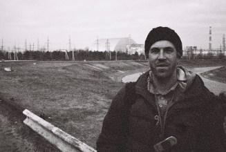 Ich vor dem Atomkraftwerk