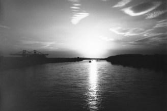 Abendlicht über dem Rhein, von der Nordbrücke