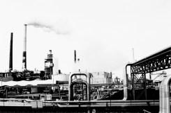 Rohre, Schornsteine und industrielle Anlagen in Wesseling