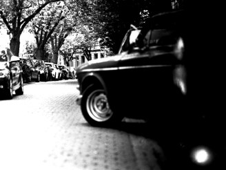 Unscharfes Auto Breitestraße