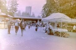 Flohmarkt in der Rheinaue - Falafel, Crêpe und allerlei anderes Essen an der Südbrücke