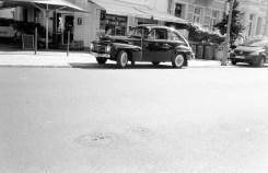 Ein altes Auto in der Südstadt