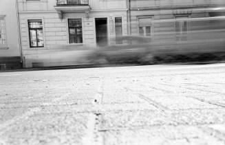 Die viel befahrene Reuterstraße trennt die Südstadt vom Rest der Welt