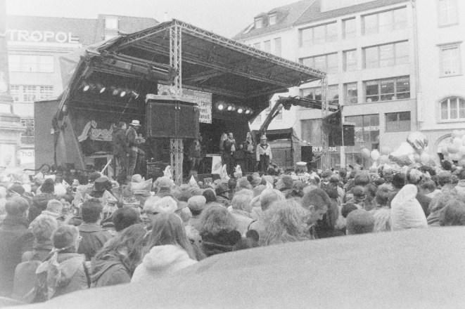 Große Bühne auf dem Bonner Marktplatz
