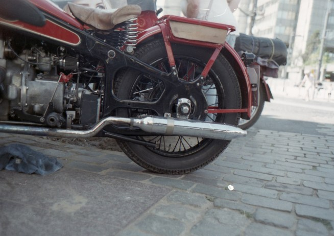 Altes rotes Motorrad