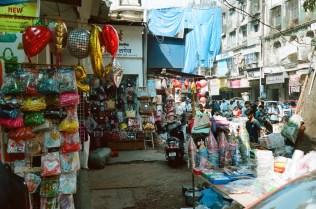 Balloons und Party-Badarf im Bazaar District Mumbai