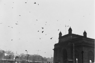 Himmel über dem Gateway of India am ersten Tag in Indien