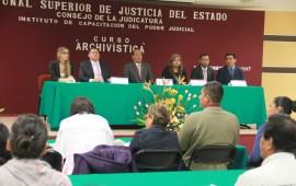 Capacitan en Archivística a empleados del Poder Judicial del Estado de Veracruz