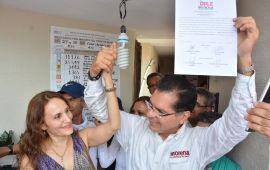 Recibe Víctor Carranza constancia de mayoría como Alcalde Electo en OPLE Coatzacoalcos
