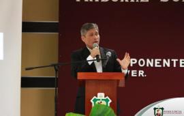 Miguel A Vázquez dicta conferencia en el TSJVer
