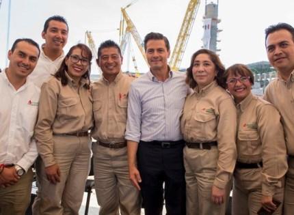 Peña Nieto anuncia el hallazgo del Pozo Ixachi-1 de más de 1 500 millones de barriles