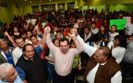 Quiero ser candidato del PRI para quedarme aquí y con ustedes: Pepe Yunes