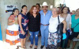 """""""ESTAMOS CONTIGO, RENATO"""": MADRES DE FAMILIA"""