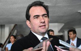 ÉL ya con veinte años de carrera en la función pública, fue alcalde de su natal Perote…
