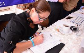 July Sheridan entrega compromisos a Colectivos de familiares en búsqueda de desaparecidos en Veracruz