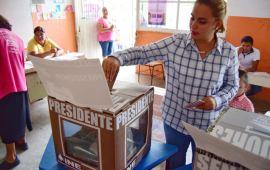 Maricela TRONCO emite su voto en las Choapas