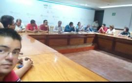 Subdirector de Telesecundaria Cedrik Salazar, favorece a Supervisor