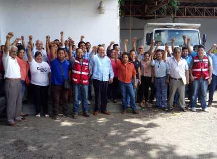 Catemaco realiza macrosimulacro de sismo, recordando as víctimas de los sismos del 19 de septiembre del 85 y 17