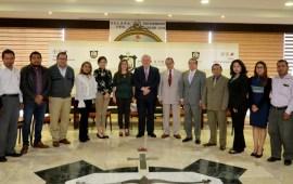 Recibe el Magistrado Presidente Edel Álvarez , a integrantes del Colegio del Foro de Abogados de Veracruz