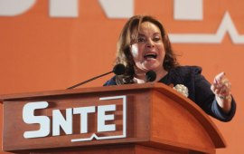"""""""Regresa"""" Elbita y AMLO le dará su sindicato para ella solita"""