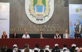 Anuncia gobernador Cuitláhuac García basificación y homologación a trabajadores de Salud
