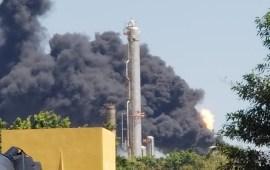 Incendio en Caldera de la Refinería Lázaro Cárdenas de Minatitlán