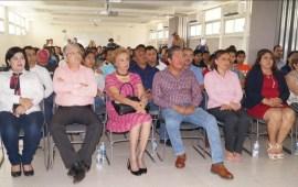 Organiza, la diputada Florencia Martínez Rivera, conferencia de emprendimiento
