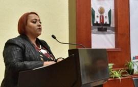 Trabajará Congreso de Veracruz para rescatar al IPE: Adriana Martínez