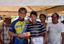 """Participan más de 350 ciclistas en """"La Rodada del Coco"""""""