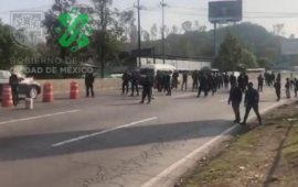 Policías Federales bloquean vías por tercer día
