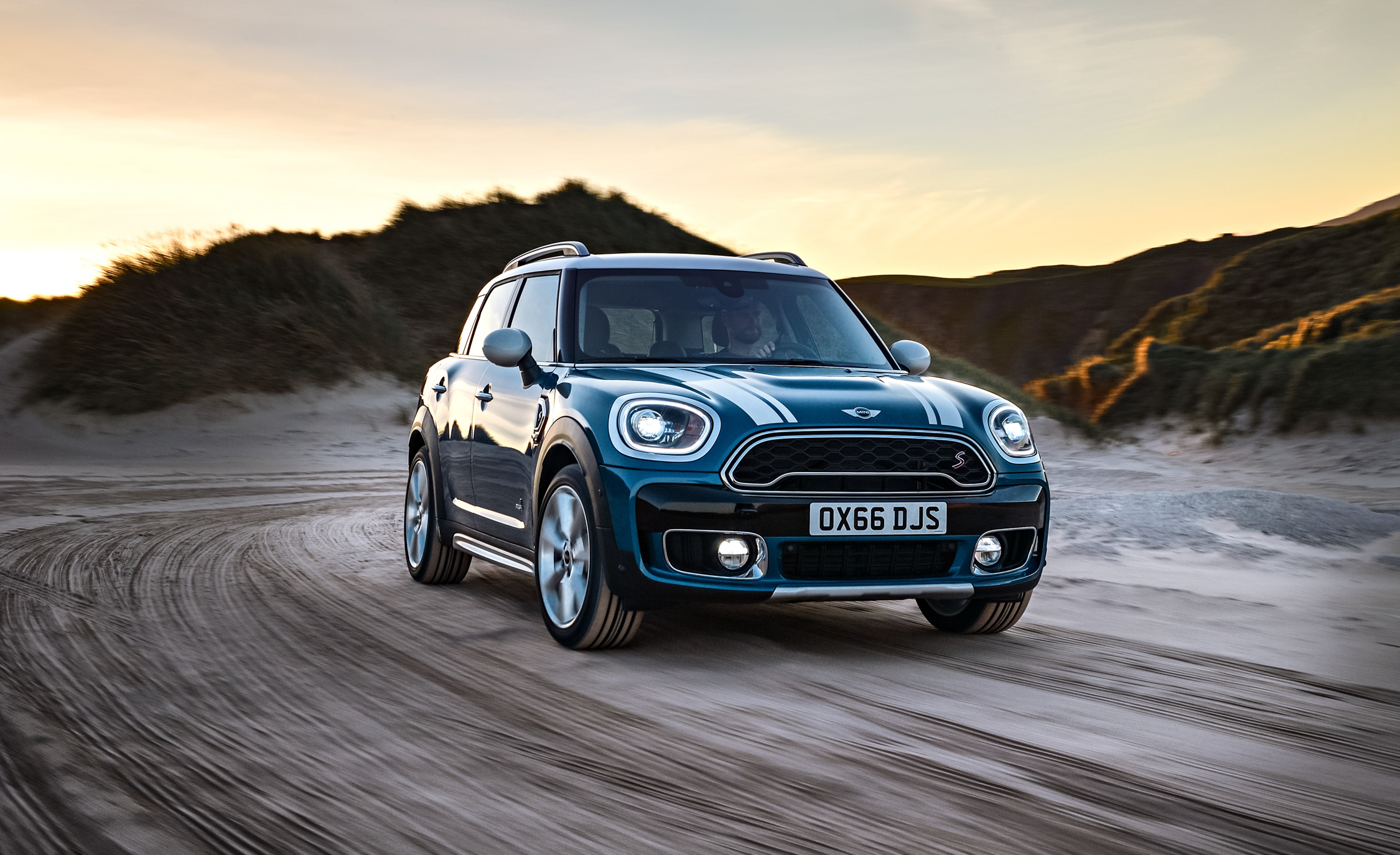 2017 Mini Countryman | Cars Exclusive Videos and Photos Updates