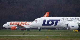 b787-dreamliner-krakow-airport-05