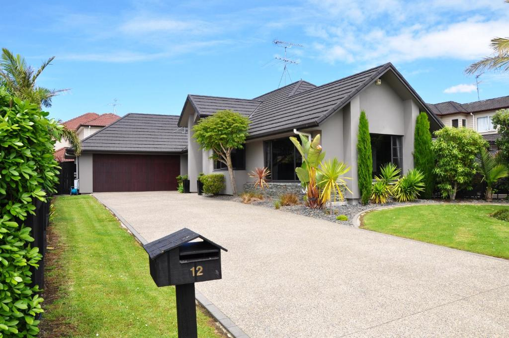 Vacation Home Stunning Family Home Auckland New Zealand Booking Com