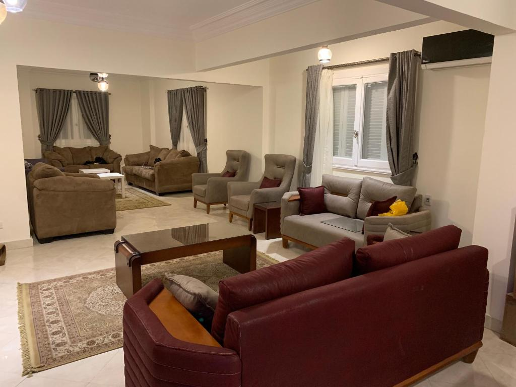 Beautiful Three Bedroom In Al Hijaz Str Al Muhandeseen Cairo Egypt Cairo 1 Guest Reviews Booking Com