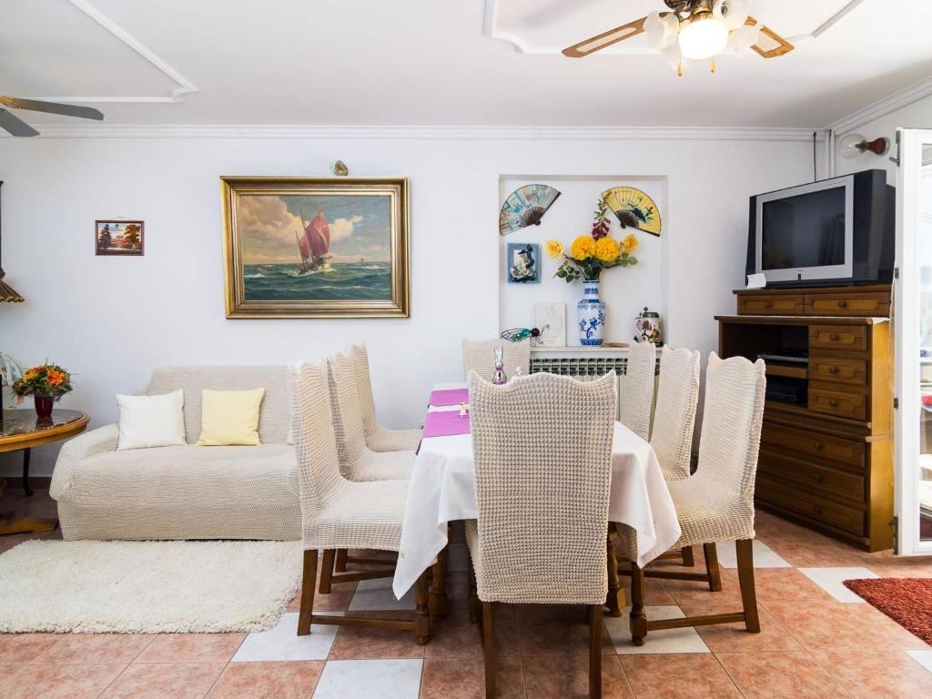 Aesthetic Holiday Home In Plano With Private Terrace Croatia Booking Com