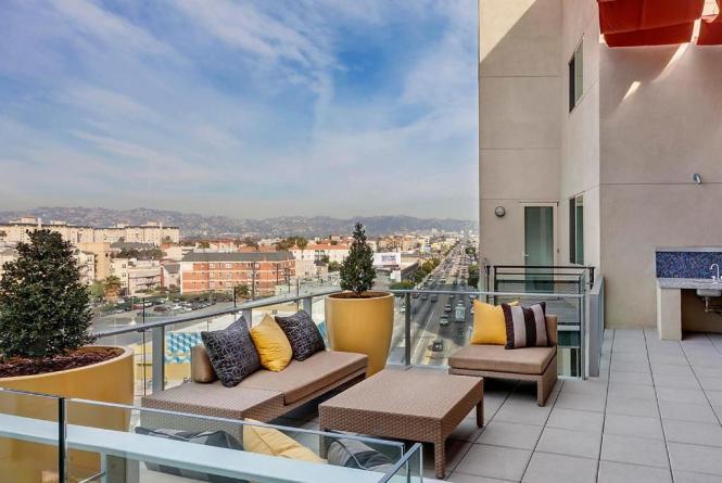Apartment Wilshire La Brea Los Angeles