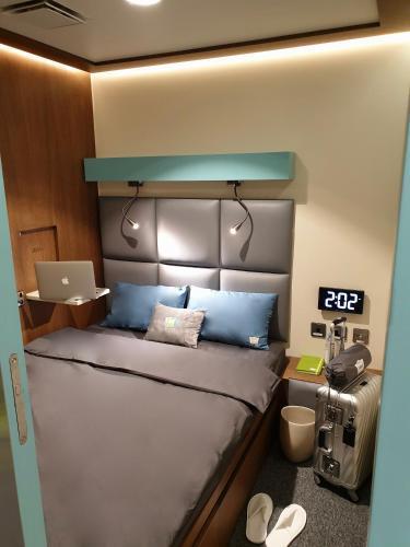 sleep n fly sleep lounge dubai