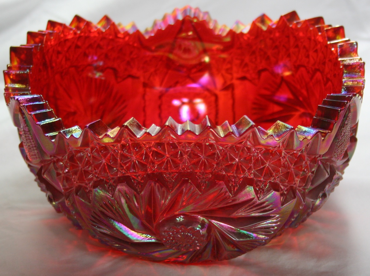 Vintage Red Carnival Glass Bowl Buzz Star LE Smith