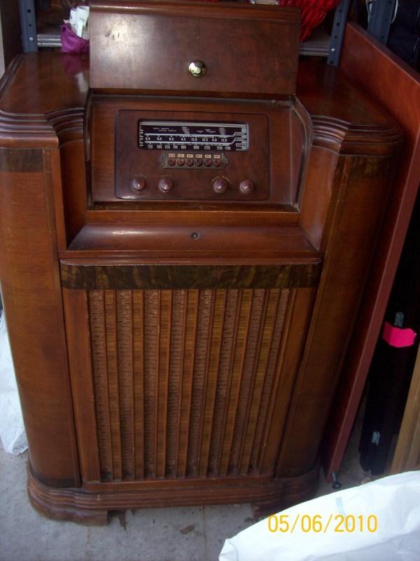 1941 Philco Console Radio & Turntable Collectors Weekly