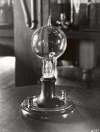 Let There Be Light Bulbs: How Incandescents Became the ...