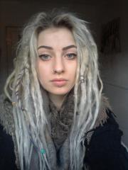 find white girls with dreads