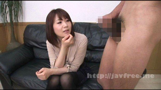 [DOKS-446] 勃起チ○ポを見てたらSEXしちゃった欲求不満の人妻たち