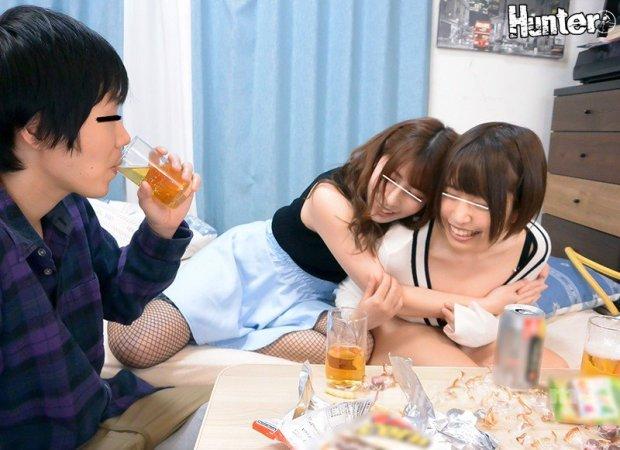 [HD][HUNTB-043] 彼女と彼女の親友と3人で宅飲みしてたら衝撃の事実が!彼女の親友はなんと小悪魔ヤリマンビッチでボクを誘惑!そしてボクの彼女もとんでもない秘密…