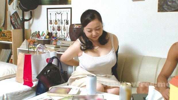 [HD][JJPP-120] イケメンが熟女を部屋に連れ込んでSEXに持ち込む様子を盗撮した動画。 FANZA限定!先行配信スペシャル!!53