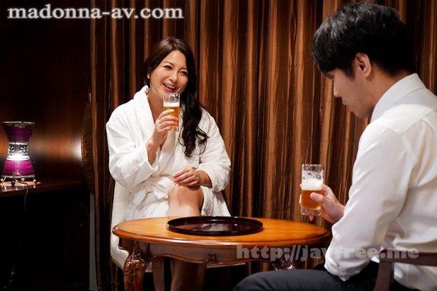 [HD][JUL-367] 出張先のビジネスホテルでずっと憧れていた女上司とまさかまさかの相部屋宿泊 一色桃子