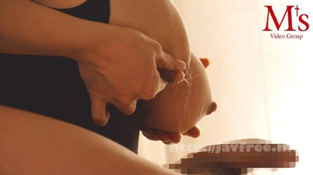 [HD][MVSD-461] 旦那と息子を放ったらかしてパート先の若いチ○ポに溺れた敏感母乳ママの末路 アクメとともに噴き出す官能ミルキーシャワー 成澤ひなみ