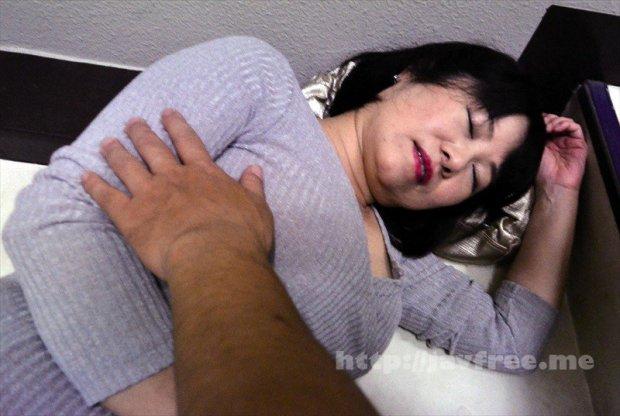 [HD][OKAX-679] 泥●したおばさんは「やだ~ 誘ってるの だめよ」と否みながらも押し倒されると喘いでしまう4時間