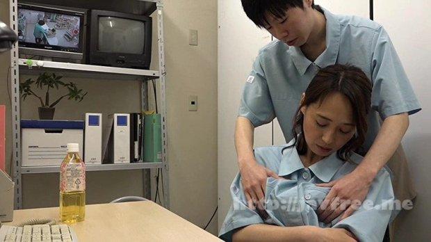 [HD][PARATHD-02408] コンビニで一緒に働く店長の奥さんは誰もがソソる美熟女なのでヤラずにはいられない(3)