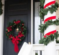 Front Door Christmas Decoration Ideas [Slideshow]